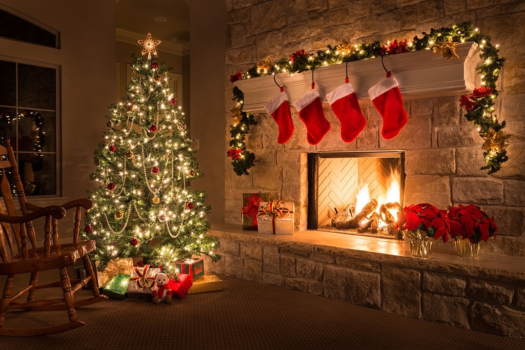 20 Jolly Christmas Poems To Spark Up The Christmas Spirit.